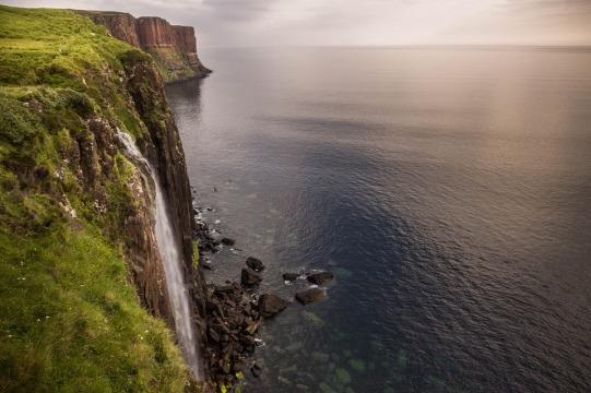 waterfall-913839_960_720